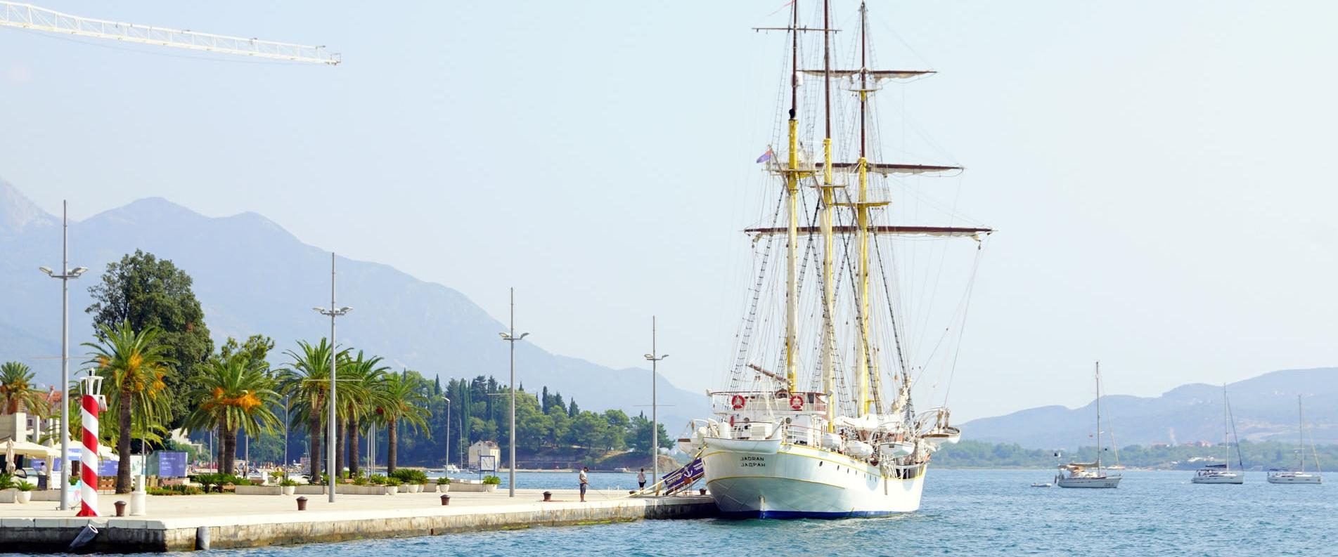 Парусный корабль «Jadran» в Тивате